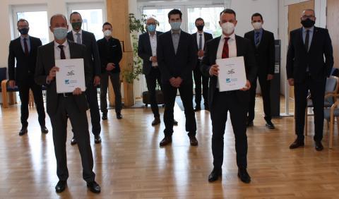 Kreis Olpe und Deutsche Glasfaser unterzeichnen Vertrag für Glasfaserausbau