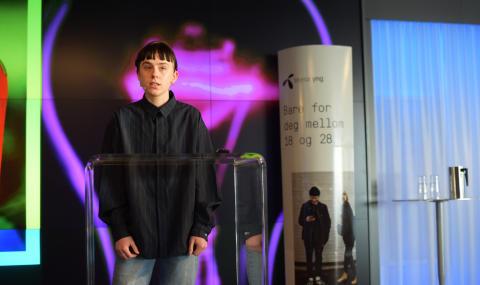 17-årige Elise By Olsen, verdens yngste moteredaktør deltok på lanseringen av Telenor Yng.