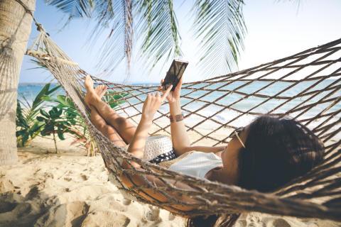 Telenor gør det trygt at surfe løs i sommerferien