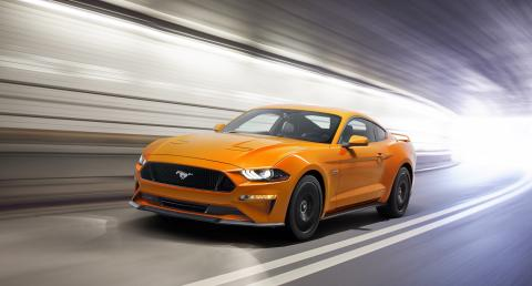 Nový Ford Mustang přináší ještě atraktivnější design, vyspělejší techniku a suverénnější dynamiku
