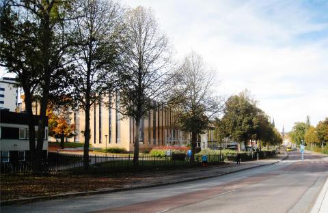 Gatubild av ny byggnad för konferens och restaurang Akademiska