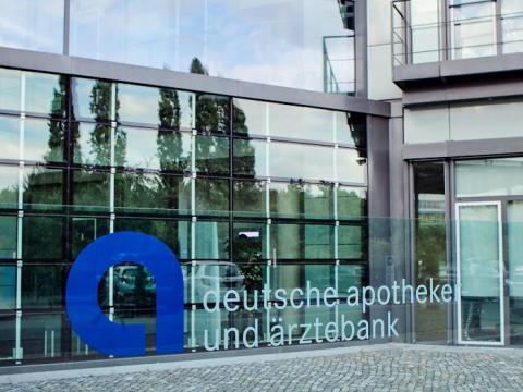 apoBank als beliebtestes Kreditinstitut von Apotheken ausgezeichnet