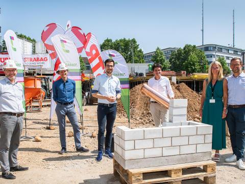 Grundsteinlegung für Erweiterungsbau des JobRad-Campus auf der Businessmile Freiburg