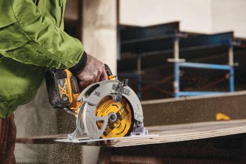 DEWALT® Introduces New Woodcutting Circular Saw Blades