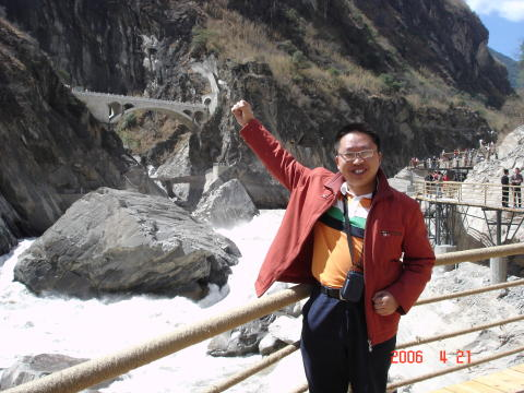 Shopper from Hubei, China becomes 3rd Millionaire finalist