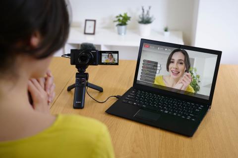 La nouvelle mise à jour du ZV-1 permet de faire du livestreaming avec une grande qualité audio et vidéo