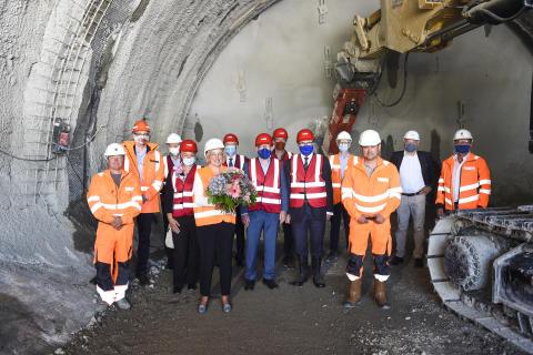 Stuttgart 21: Projektpartner feiern Beginn des Tunnelvortriebs für Verkehrsdrehscheibe am Flughafen