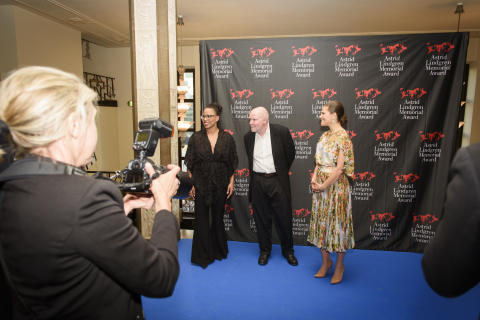Kultur- och demokratiminister Alice Bah Kuhnke, Wolf Erlbruch och H.K.H. Kronprinsessan Victoria