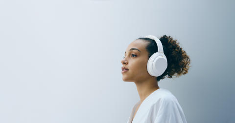 Sony präsentiert den Noise Cancelling-Kopfhörer WH-1000XM4 in limitierter Silent White Edition