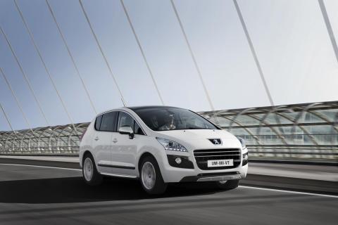 Peugeot leder loppet mot låga koldioxidutsläpp - Peugeot 3008 HYbrid4