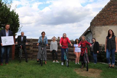 Ausflüge mit gespendeten Fahrrädern stärken Zusammenhalt in Mädchen-WG