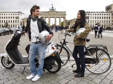Peugeot på Challenge Bibendum i Berlin 2011: Bred flora av spännande fordon med nya teknologier