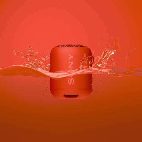 SRS_XB12_Package_water_red-Large