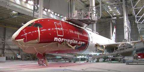 For the #AvGeek in All of Us: Check Out the 787-9 Dreamliner Assembly