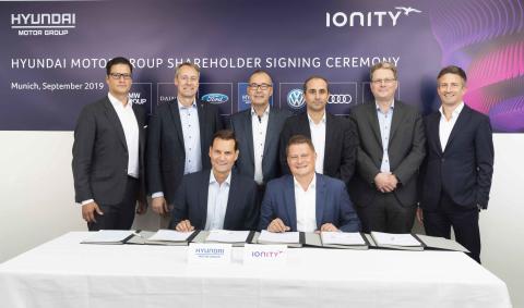 Kia Motors investerer i IONITY.