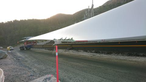 Skade på et turbinblad under transport til Hitra 2 vindpark