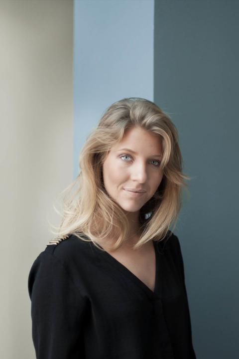 Sofia Jern, Novia
