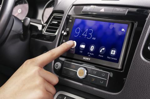Smarter Beifahrer: Der neue Audio-Receiver von Sony garantiert satten Sound im Auto