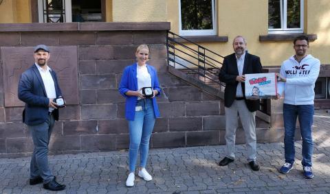 baby-pakete-EschOlden-uebergabe