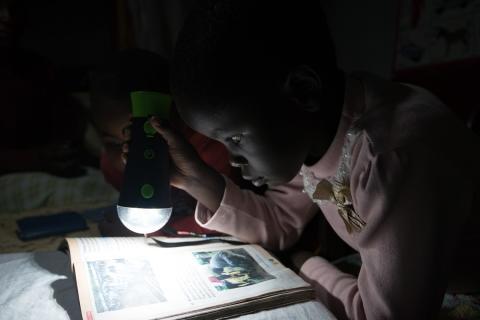 Swedfund gör stor investering i off grid-solenergi