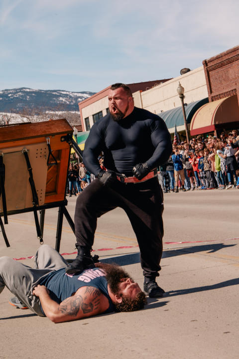 Strongest Man in history_HISTORY (4)
