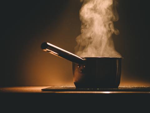 Ha gärna koll på stearinljusen – men glöm inte spisen!