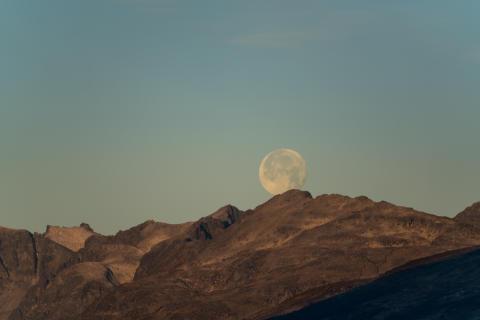 Så tar du bäst bilder på supermånen
