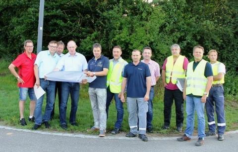 Projektbeteiligte informieren die Vertreter der Kommunen über den Fortschritt und den weiteren Ablauf der Arbeiten im Raum Stamsried-Pösing.