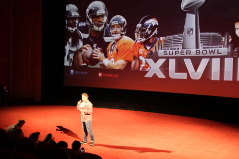 Håvard Lilleheie ønsker velkommen til Super Bowl Colosseum