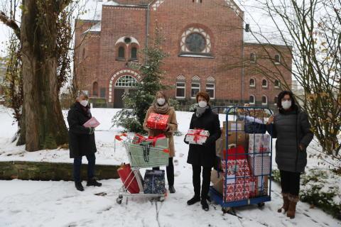 Alle Jahre wieder: Zonta-Club Hanau erfüllt Weihnachtswünsche von Menschen mit Behinderungen
