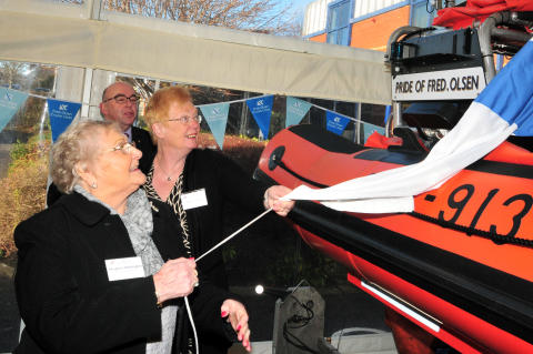 Fred. Olsen Cruise Lines' guests fund and name new RNLI relief lifeboat – B-913 'Pride of Fred. Olsen'