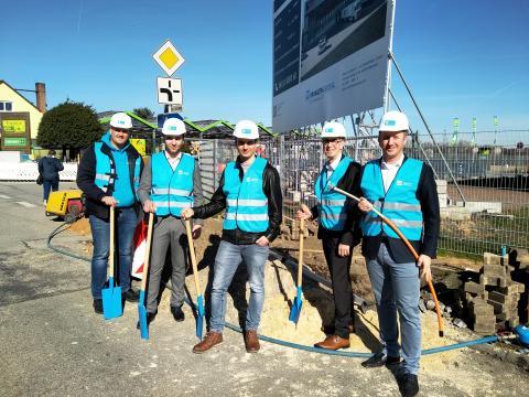 Glasfaser-Netzausbau in Kriftel gestartet – zunächst bekommen zehn Unternehmen das schnelle Internet