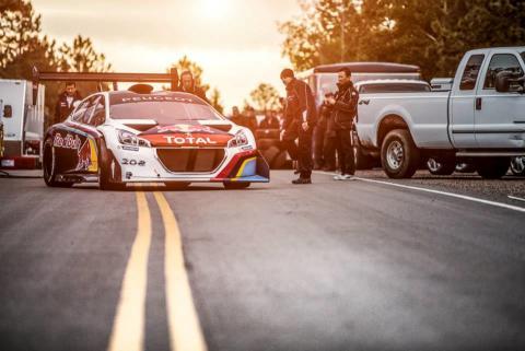 Peugeots specialdesignade bil för Pikes Peak 2013