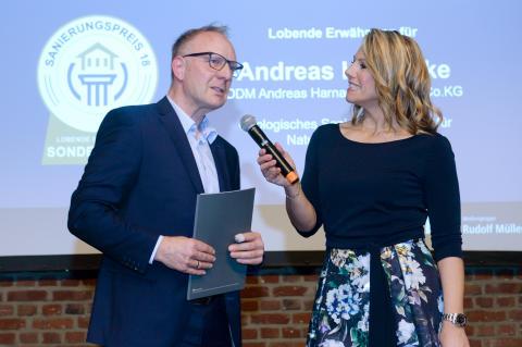 """Für sein ökologisches Sanierungskonzept bei einer denkmalgeschützten Arztvilla sprach die Jury  der Andreas Harnacke GmbH & Co. KG eine Lobende Erwähnung für """"Nachhaltigkeit"""" aus."""
