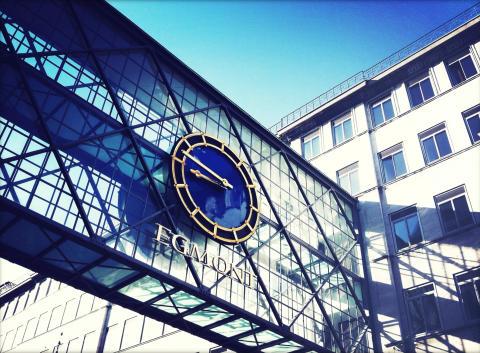 Egmont overlader HR-, løn-, økonomifunktionen til Visma Services Danmark A/S