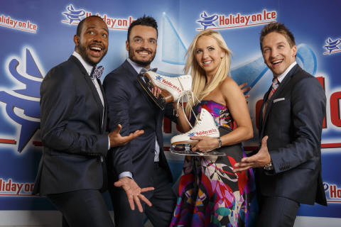 Vintage Vegas und Annette Dytrt bei HOLIDAY ON ICE