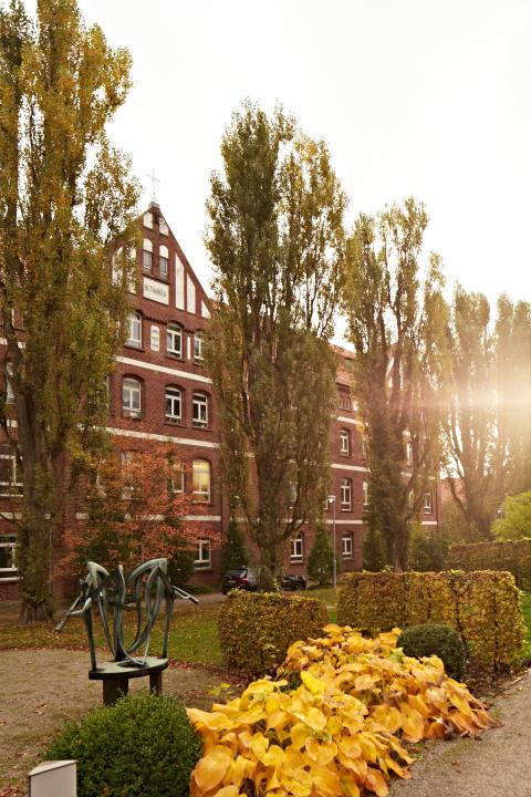 Evangelische Hochschule Darmstadt zieht in Hephata-Haus Bethanien ein