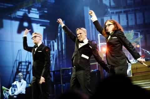 Aftenens værter ved Årets Reumert 2016. Nikolaj Stokholm, Rasmus Botoft og Bodil Jørgensen.