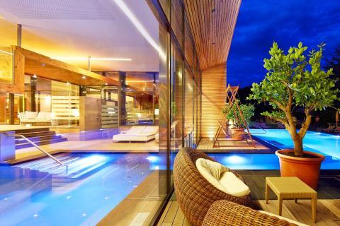 Abendstimmung am Feldhof Pool