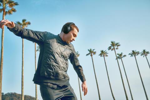 Občutite base – Sony v svojo linijo EXTRA BASS™ dodaja nove slušalke