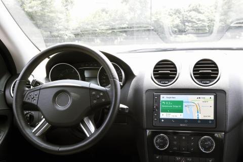 7_Navigation_with_Android_Auto