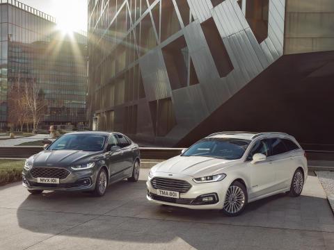 Vylepšený Ford Mondeo přichází na český trh i s unikátní novou variantou Mondeo Hybrid kombi