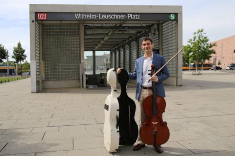 Dale Henderson in der Leipziger City am Wilhelm-Leuschner-Platz