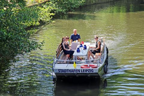 Hop on Hop off Bootstour vom Stadthafen