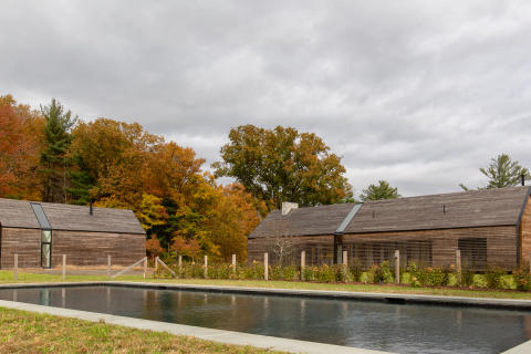 LINEAR MODERN HOME WITH CARRIAGE HOUSE COMPLETED IN HUDSON RIVER VALLEY