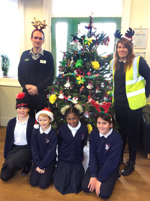 GTR and local communities join forces to spread Christmas cheer