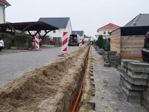 Glasfaser für Nuthetal: Bauarbeiten zum Deutsche Glasfaser Netz im Ortsteil Saarmund gestartet