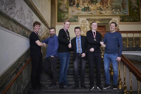 Elektriker Emil Eigenbrod, træner Mikael Lundtoft Grundsøe, lastvognsmekanier Mathias Erforth Hinrichsen, træner Christian Svane, Lucas Barkow og træner Søren Søgaard