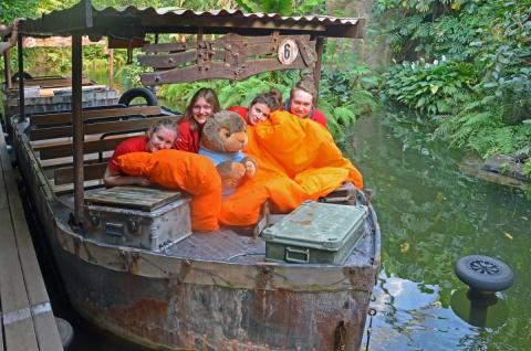 Volunteers zu Besuch im Gondwanaland mit Murmeltier Mandy