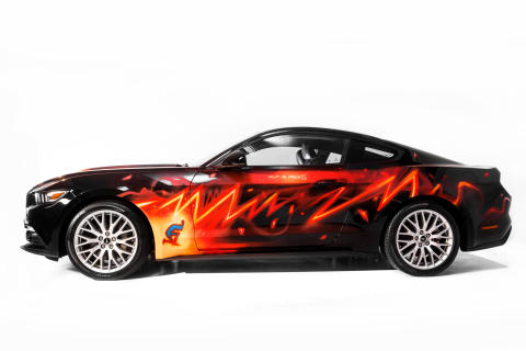 Ford Mustang genopstår som graffitikunst